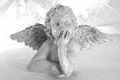 Wie ein Engel mit zerbrochenen Flügeln